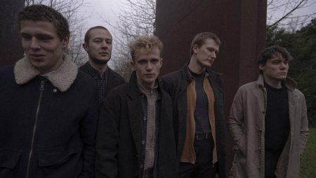 To Absent Friends - Fra blød indiepop til moderne rock